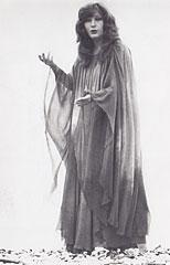 """открытка """"Женщина, которая поет"""""""